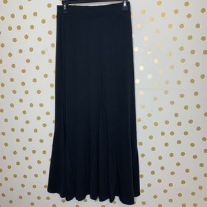 Willow & Clay Black Knit Swing Maxi Skirt Size S